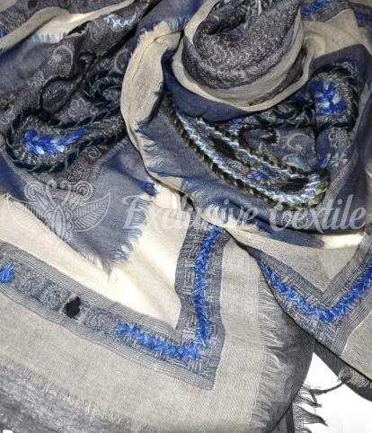Палантин из шерсти с ручной вышивкой WSE06Аксессуары Палантины